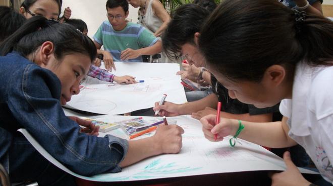 Các bạn đang vẽ những ước mơ về các công trình xã hội có thể dễ dàng tiếp cận với mình