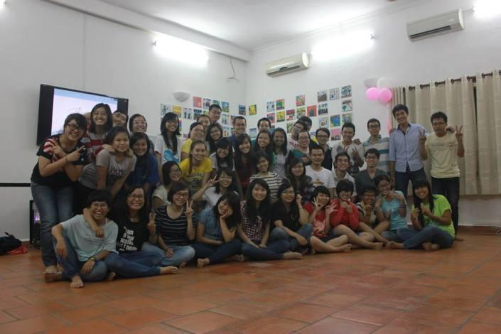 Kết thúc chương trình, mọi người cùng nhau chụp tấm hình lưu niệm