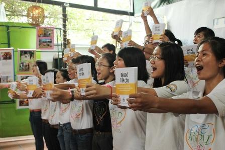 Các tình nguyện viên DRD vui mừng cho ra mắt Bản đồ tiếp cận sau 1 năm khảo sát 1.800 công trình công cộng tại TPHCM